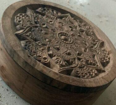 Atelierul de pe insula servicii CNC lemn detaliu 5